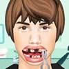 Джастин Бибер у стоматолога